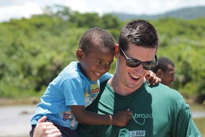 Un étudiant en année de césure à l'étranger en mission de volontariat