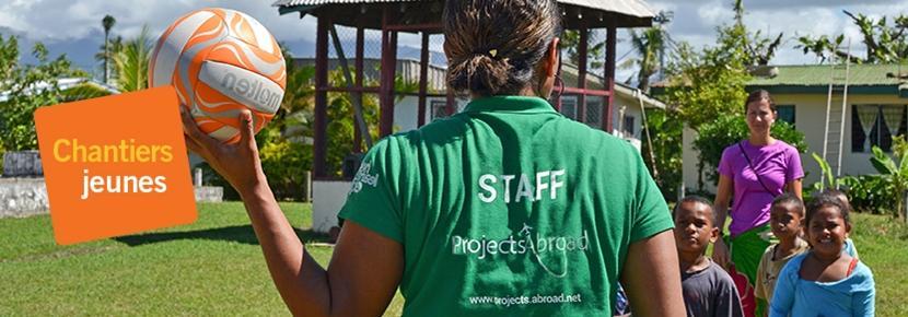Nos équipes encadrent les volontaires en chantiers jeunes