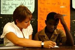 Volontariat international pour les professionnels : Enseignement et éducation