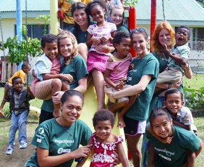 Volontaires en chantier pour les 16/19 ans aux Fidji
