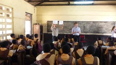 Campagnes de sensibilisation aux Droits de l'Homme dans des écoles ghanéennes
