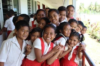 Un groupe d'élèves aux Samoa