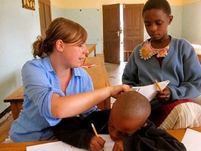 Enseignement humanitaire d'anglais en Afrique