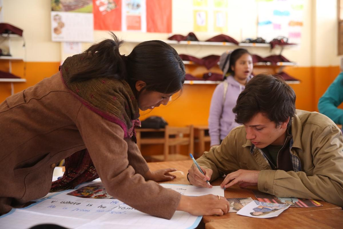 comment devenir enseignant humanitaire