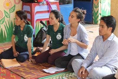 Des volontaires en mission de volontariat à l'étranger pour rédiger un mémoire