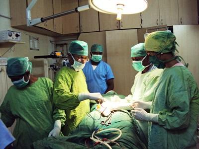 Volontaires en salles d'opération