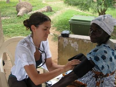 Stagiaire infirmière humanitaire au Ghana