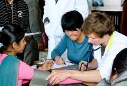 Stages en soins infirmiers et mission humanitaire infirmière : Népal