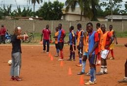 Encadrement sportiffootball à l'étranger : Togo