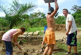 Volontariat en Amérique latine : Construction &   reconstruction