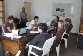 Volontaires participe à un projet microcrédit
