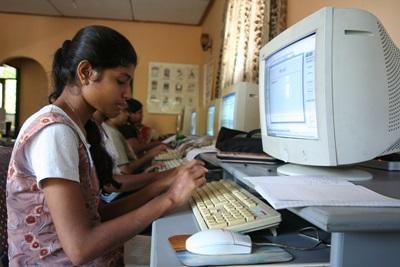 Volontariat en enseignement informatique en Asie