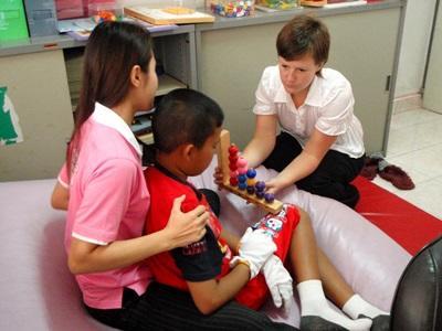 Kinésithérapeute bénévole au Cambodge