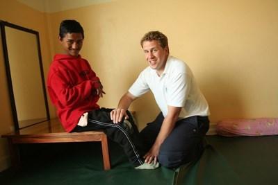 Aide humanitaire kinésithérapie Népal