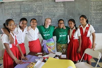 Deux volontaires participent au projet enseignement aux Samoa