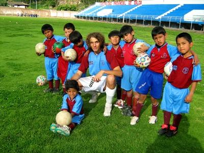 Volunteer Teaching Sports with Projects Abroad
